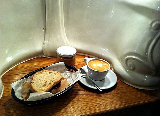 aa-a-attendant-cafe-2